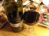 ワインをグラスに注いだところ