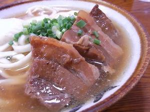 きしもと食堂のそば大の豚の3枚肉