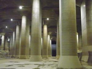 首都圏外郭放水路庄和排水機場 地底探検ミュージアム龍Q館 地下回廊巨大列柱4