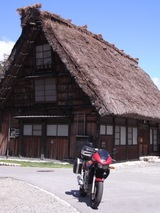 バイクとツーショット02