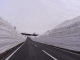 八幡平アスピーテライン雪の回廊01