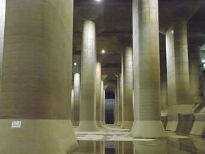 首都圏外郭放水路庄和排水機場 地底探検ミュージアム龍Q館 地下回廊巨大列柱3