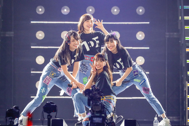 momoirocloverz_live0523_7_fixw_640_hq