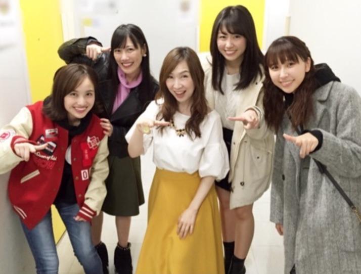 """【エンタメ画像】森口博子さん『ももクロちゃん達とバッタリ!! 親戚の叔母のような気持ちになりながら、元気とエネルギー頂いてます』ブログで""""ももクロ遭遇""""エピソード!"""