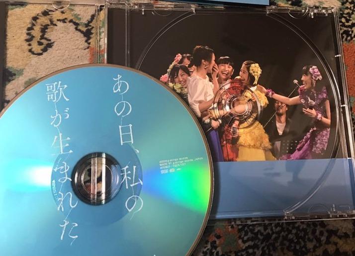 """【エンタメ画像】""""ももクロへのサプライズ返し?"""" 12/9発売 加藤いづみ25周年記念ライブアルバムに ももクロの写真☆(^^)"""