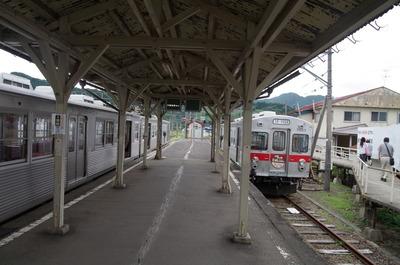 大鰐駅のホーム