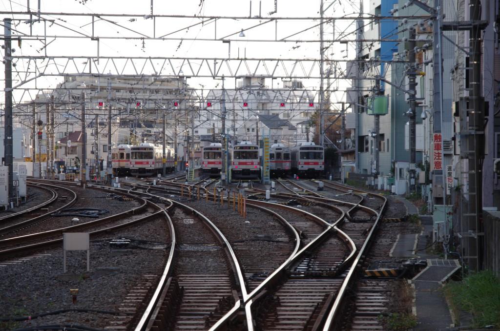 今月の池上線(雪が谷大塚駅) :...