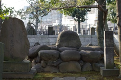 賀茂真淵墓