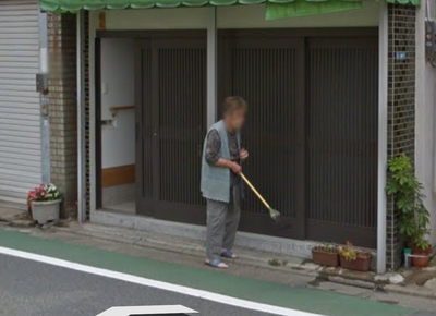 ストリートビューに写ったおばあちゃん