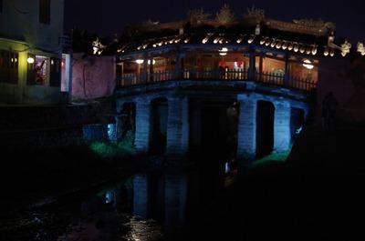 夜の来遠橋
