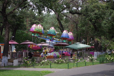 兆麟公園の遊具