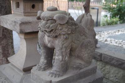 御嶽神社(大鳥神社狛犬左)