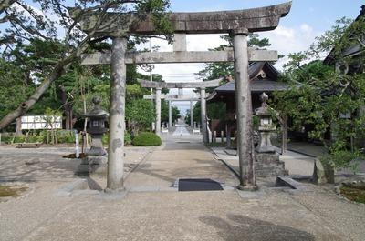 荘内神社参道