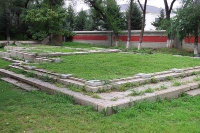 建国神廟礎石