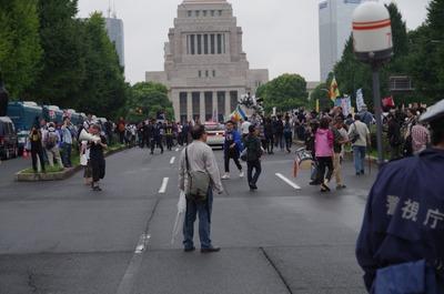 議事堂前の道路
