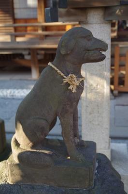御嶽神社(本殿狛犬左)