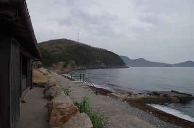 教員住宅の前の海