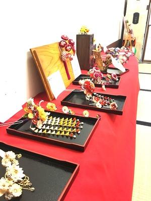 つまみ細工教室作品展開催!てしごと屋盆栽村店内ギャラリー左近坊にて