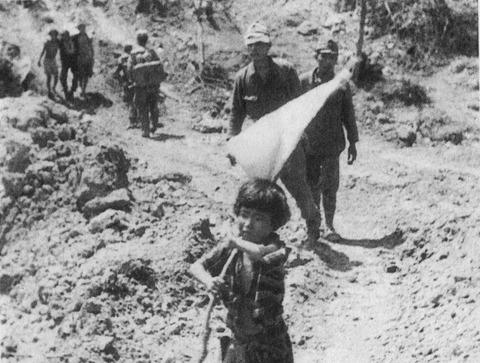 戦争中の不思議な怖い話「帝国の敗北と日本復帰を願った沖縄人の返還運動」
