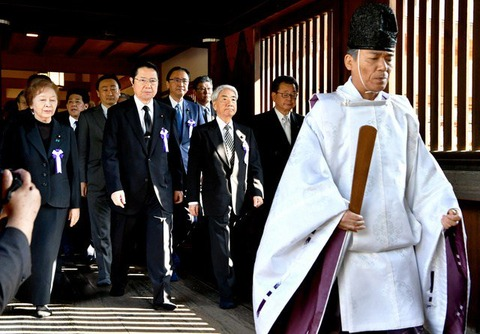 国会議員さん150人も靖国神社を参拝←これ