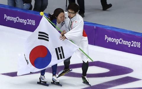 韓国イルベ民「小平奈緒は素晴らしい!キムヨナなら浅田が号泣する中で喜びを爆発させただろう…」