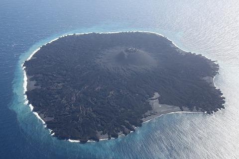 日本の領土がどんどん拡大して巨大な島が誕生してる件
