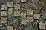 サイコロ石