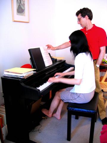 ピアノを弾きながら…Mちゃん&正雄