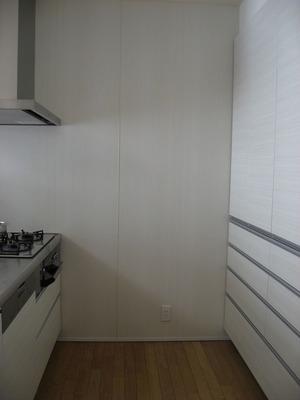 キッチンの壁は全面キッチンパネル