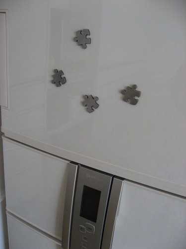 ジグソーパズルの形の磁石