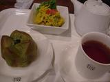 三宮駅にて朝食。