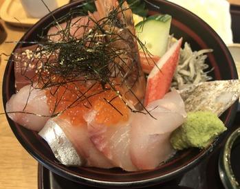 海鮮丼(上)アップ