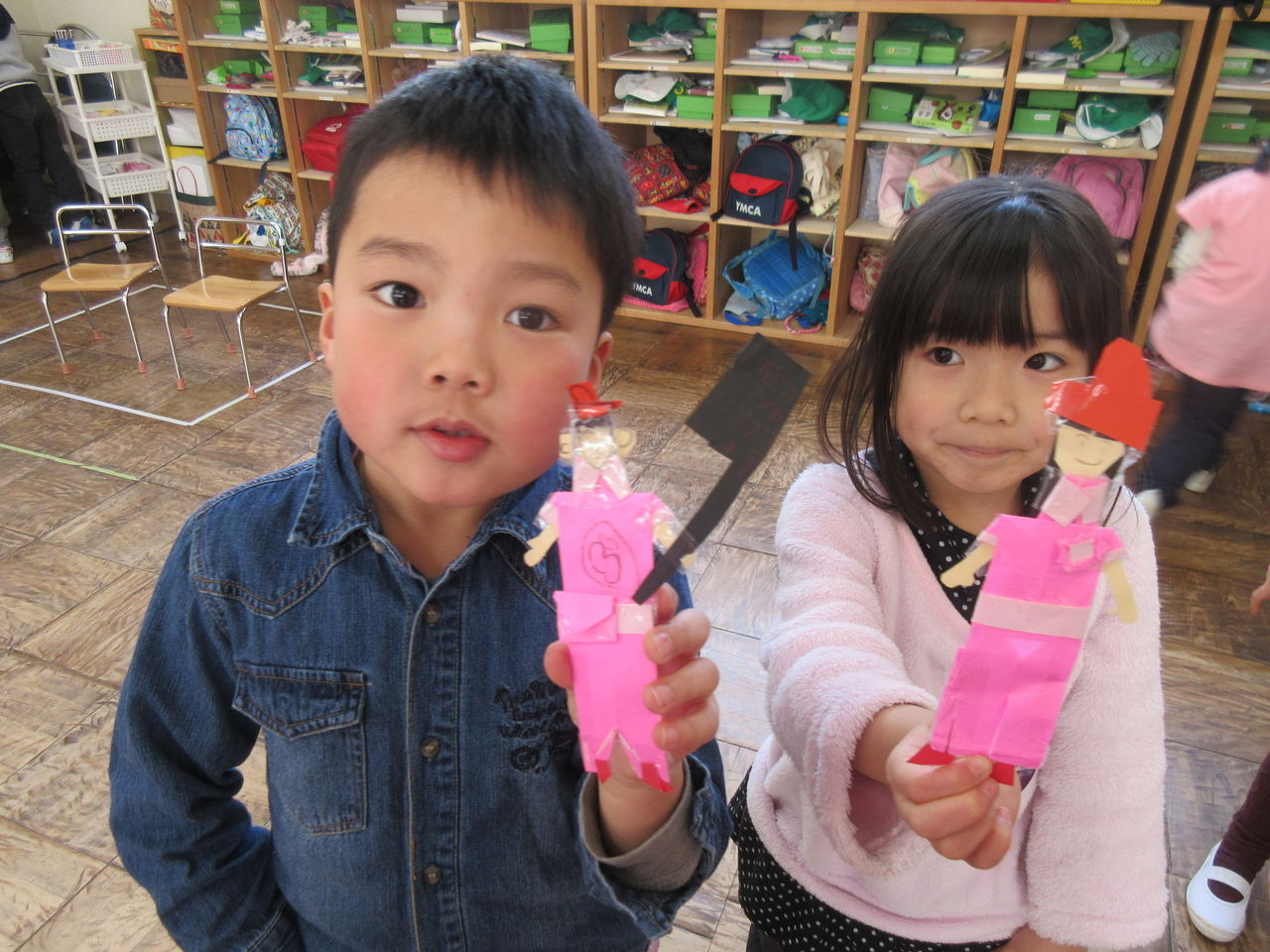 幼稚園ピンク人形