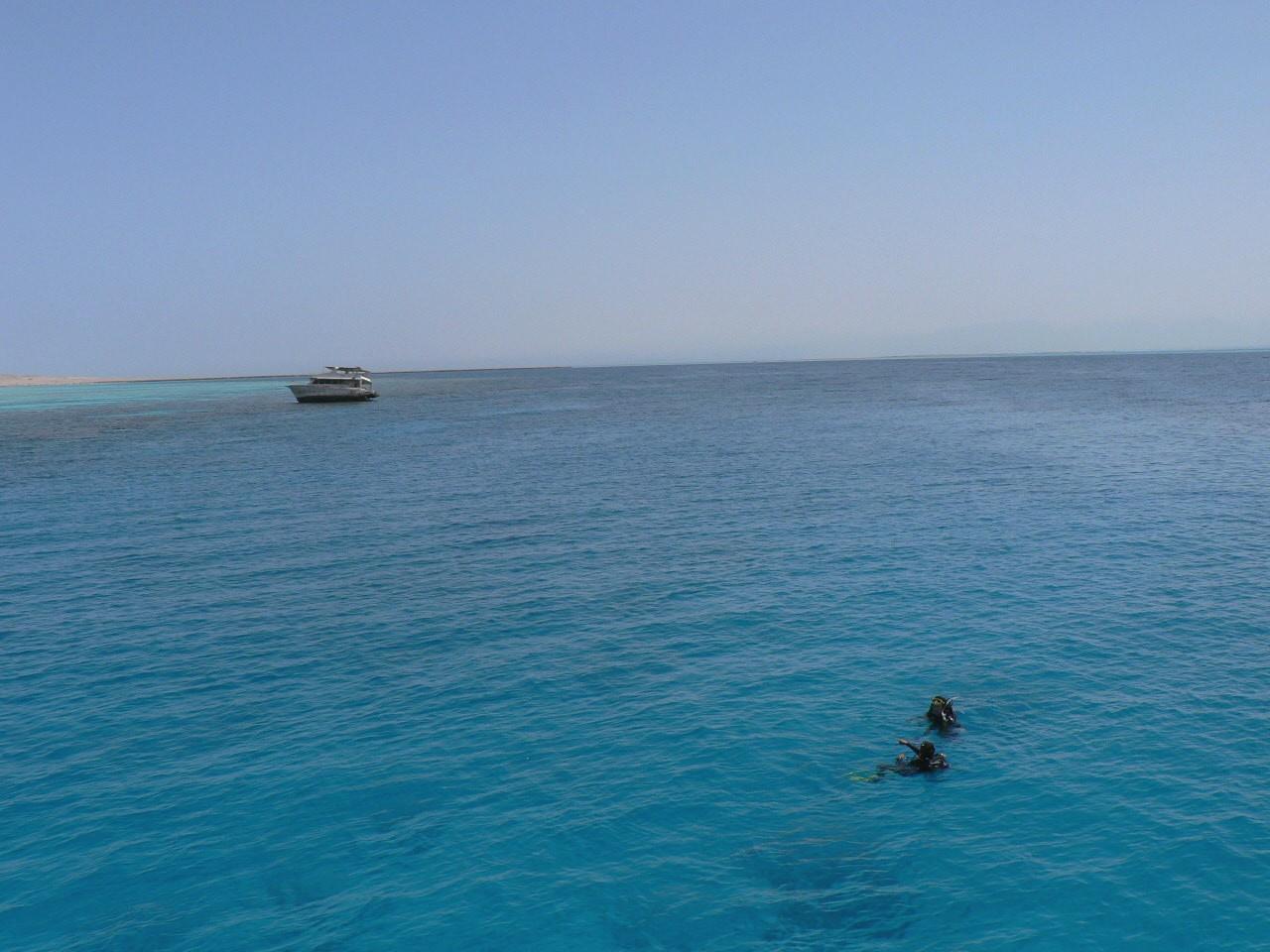 透き通る水ハルガダの海