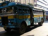 コルカタを走るバス