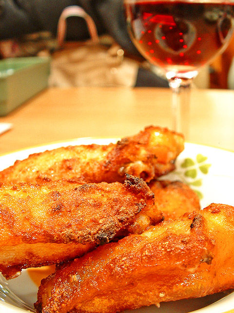 サイゼリヤ 辛味チキン + ランブルスコ セッコ