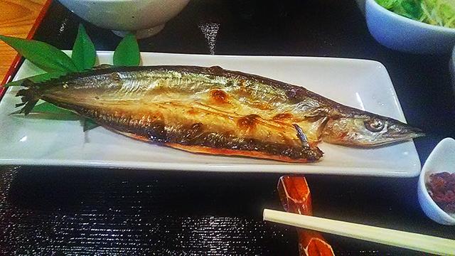 練馬 ランチ だいこん サンマ ( 焼き魚定食 )