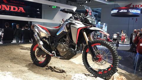 94967_Ad_Eicma_2016_due_strepitose_concept_bike_Honda