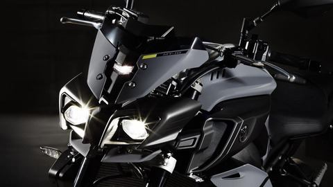 2017-Yamaha-MT-10-EU-Night-Fluo-Detail-010 (1)