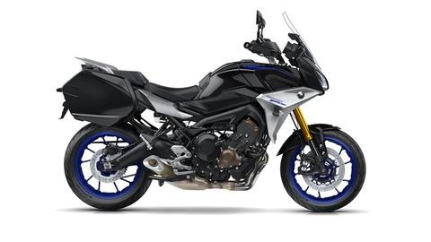 2018-Yamaha-MT09TRGT-EU-Midnight-Black-Studio-002