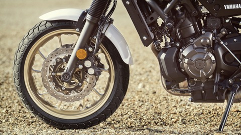 2019-Yamaha-XS700SCR-EU-Tech_Black-Detail-006-03
