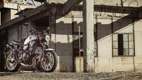2019-Yamaha-XS700SCR-EU-Tech_Black-Static-003-03