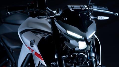 2020-Yamaha-MT320-EU-Detail-003-03