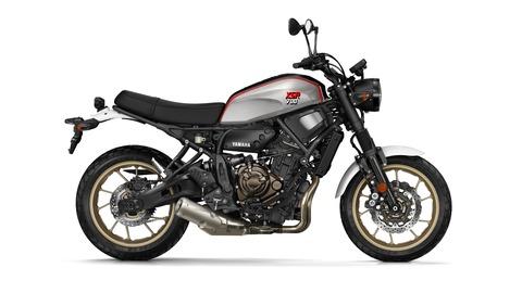 2019-Yamaha-XS700SCR-EU-Tech_Black-Studio-002-03