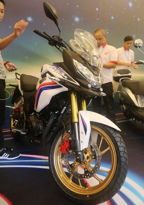 2017-Honda-CB190X-12