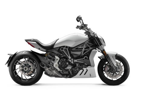 XDiavel-S-MY18-White-01-Model-Preview-1050x650
