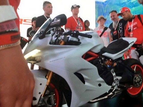Ducati_Supersport_01 (1)