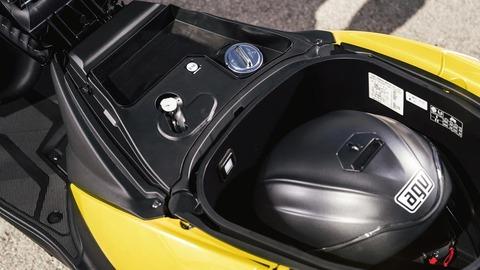 2017-Yamaha-Tricity-EU-Sunny-Yellow-Detail-018