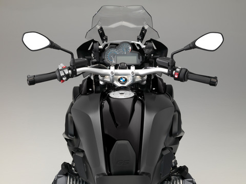 P90235573_highRes_the-new-bmw-r-1200-g