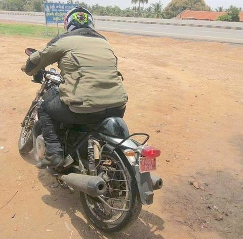 royal-enfield-cafe-racer-650cc-spied